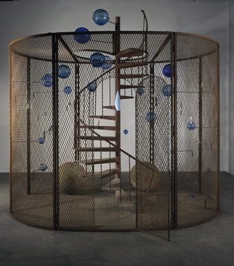 Louise Bourgeois, Cell (The last climb), 2008.